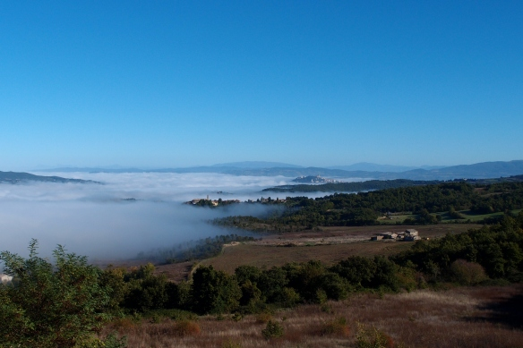 This photo has nothing to do with the article -- it's just a cool picture of fog in the valley of the Tiber River, as seen from my sister's village.